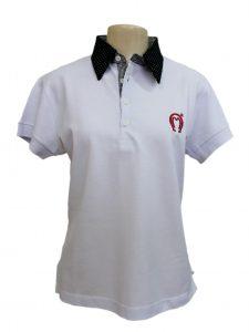 blusa polo com logo bordada